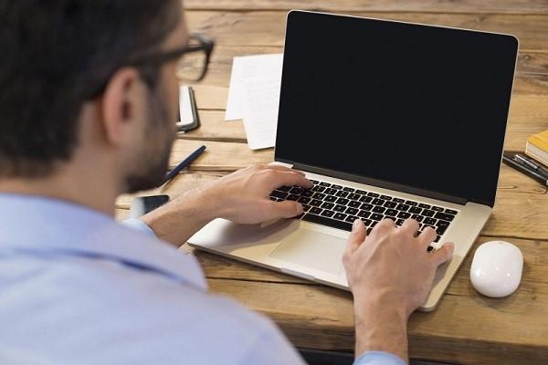 Quay màn hình máy bằng công cụ có sẵn trên hệ điều hành Win 10