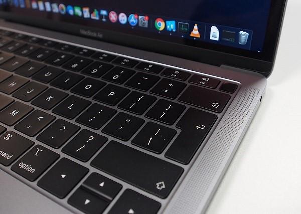 Lỗi bàn phím gây ra rất nhiều bất tiện trong công việc, giải trí, học tập bằng Macbook